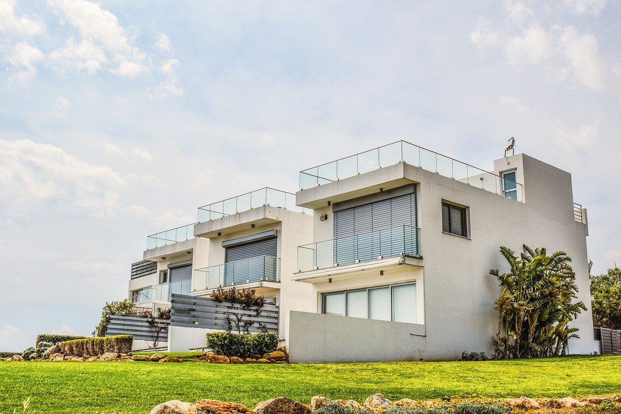 Florida's sizzling real estate market could ease in summer