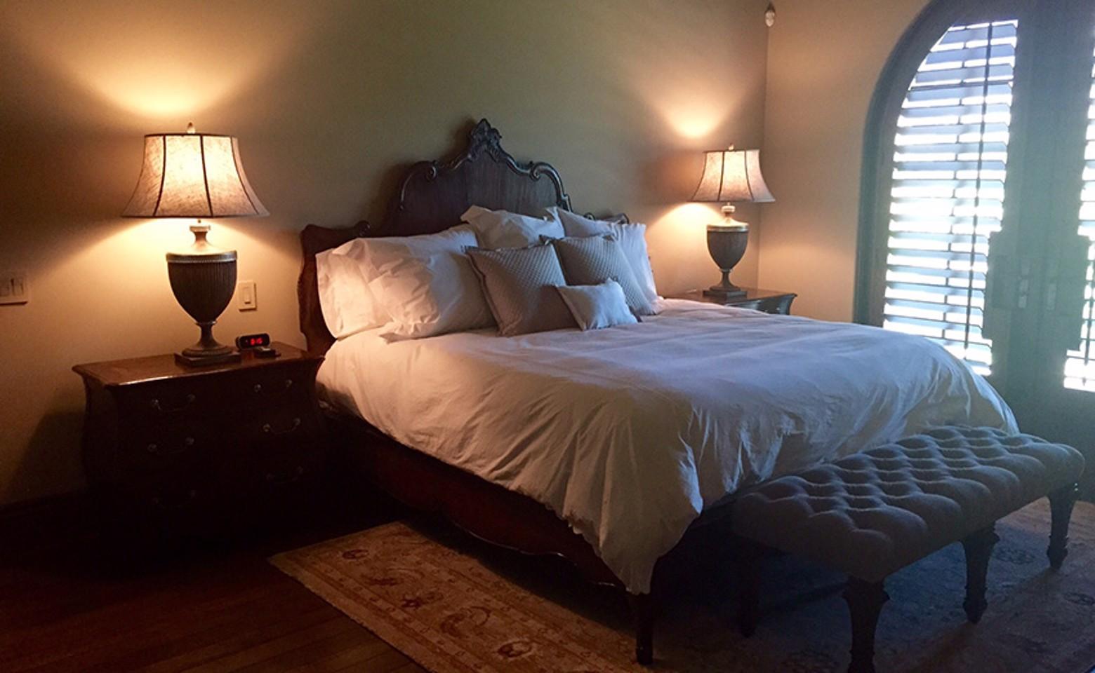 bedroom1_resized-1.jpg image