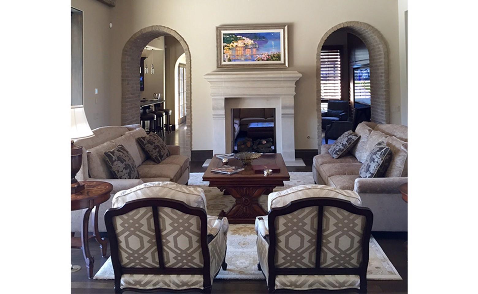 livingroom3_resized-2.jpg image