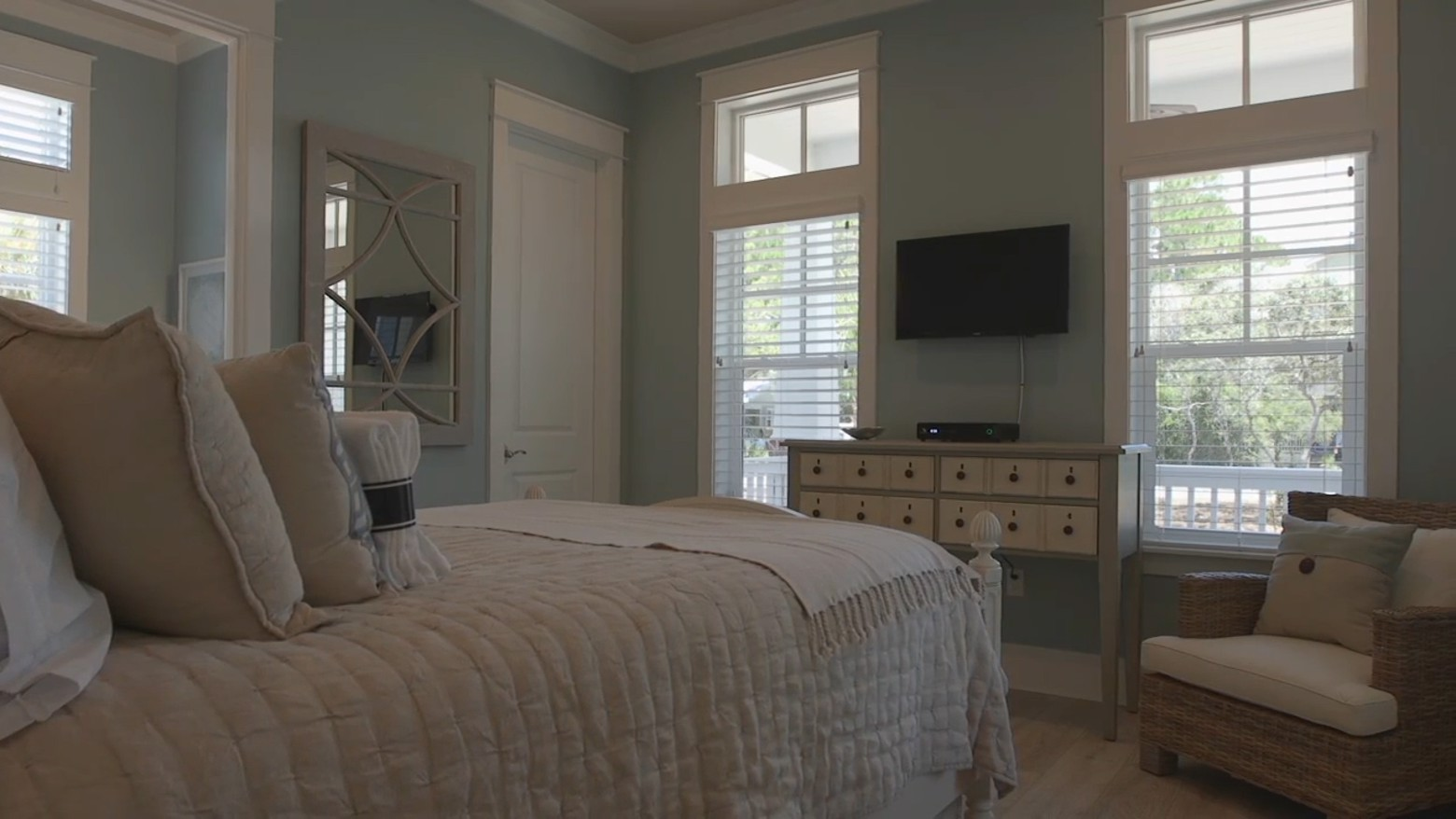 Southern-Sands-Seagrove-Beach-Vacation-Home.00_01_25_21.Still006.jpg image