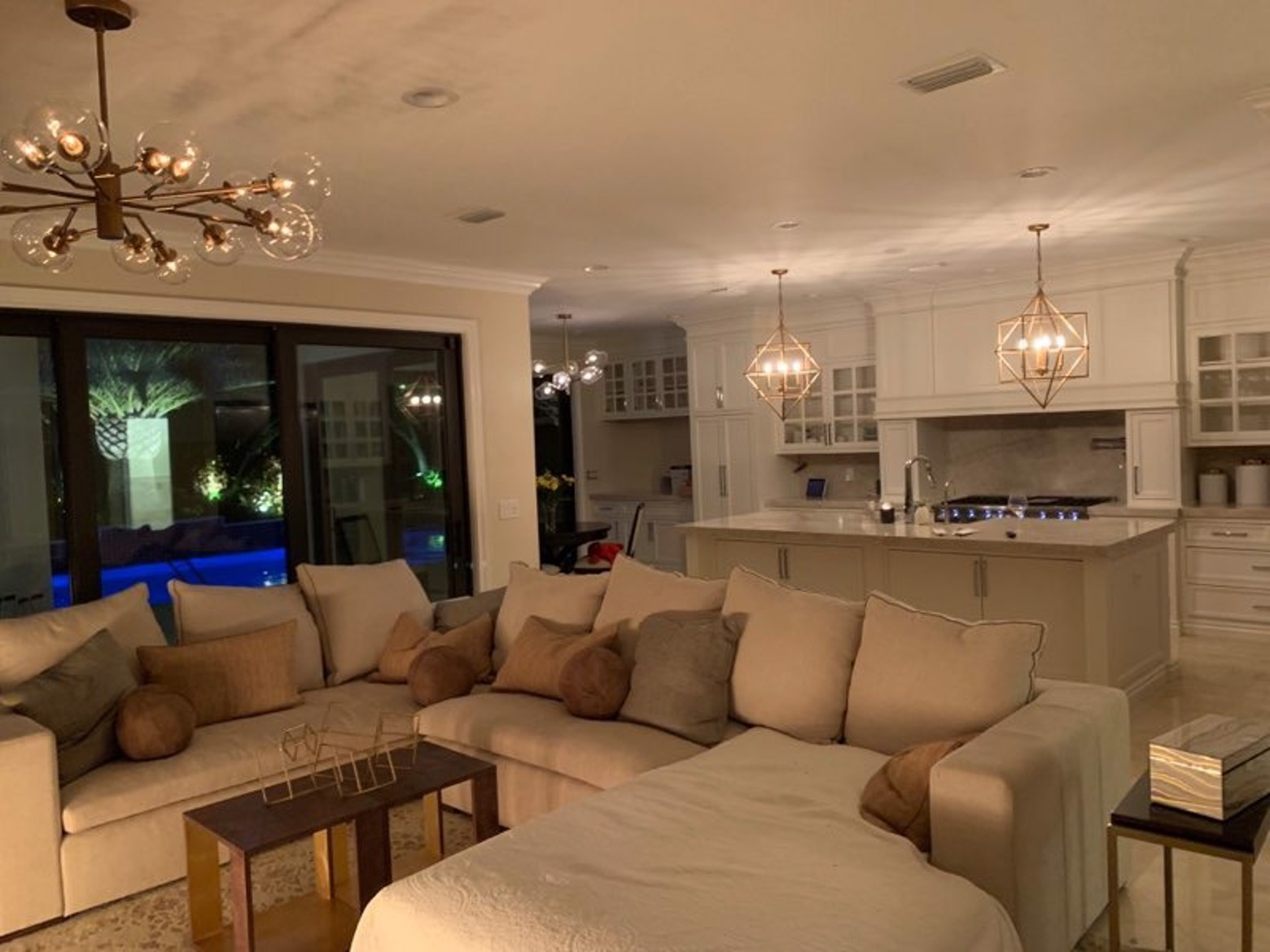 Florida Home By Janice Booker Furnitureland South