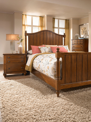 Broyhill Furniture - Hayden Place Light Cherry Nightstand - 4648-292