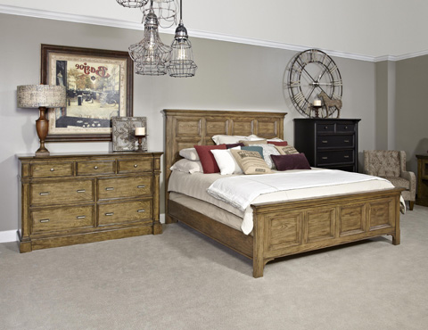 Broyhill Furniture - New Vintage Time-Worn Ebony 6-Drawer Chest - 4809-240