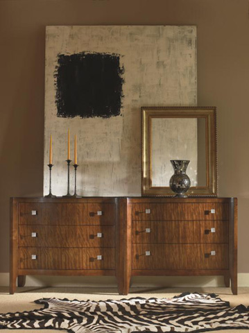 Century Furniture - Bachelor's Chest with 3 Drawers - 55H-203