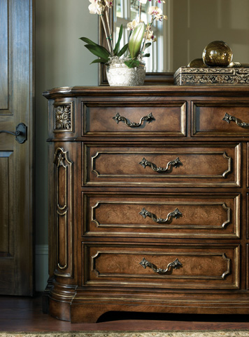 Image of Lombardi Nine Drawer Dresser