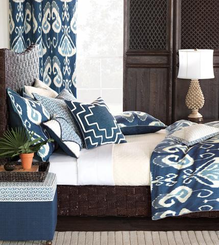 Eastern Accents - Kari Iris Diamont Tufted Pillow - CEY-10