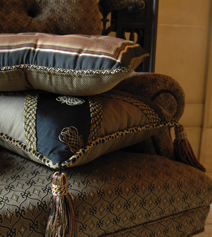 Eastern Accents - Concord Shadow Tufted Pillow - LNG-07