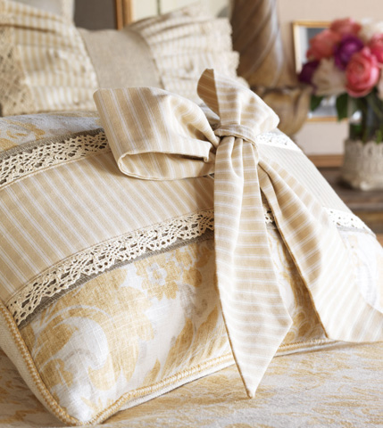 Eastern Accents - Sabelle Pillow with Bow - SAB-10