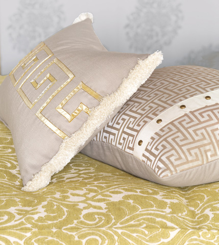 Eastern Accents - Mack Heather Pillow with Ribbon - WAK-08