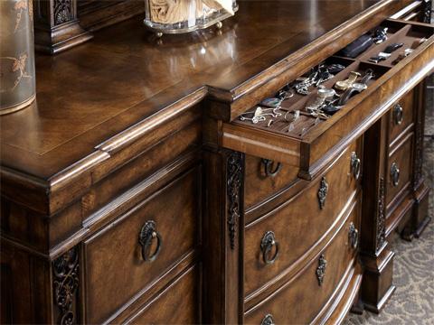 Fine Furniture Design - Nine Drawer Triple Dresser - 1150-142