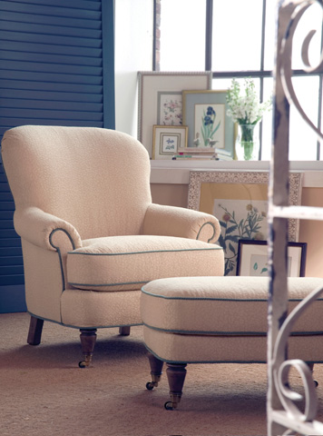 Highland House - Julian Chair on Casters - 701