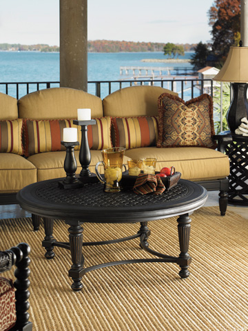 Tommy Bahama - Round Cocktail Table - 3190-943