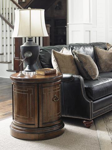 Lexington Home Brands - Darien Accent Table - 945-950
