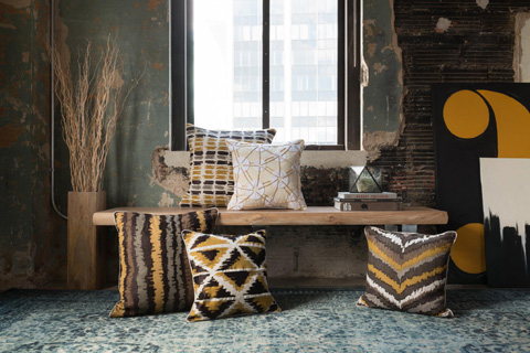 Loloi Rugs - Brown and Multi Pillow - P0137 BROWN / MULTI