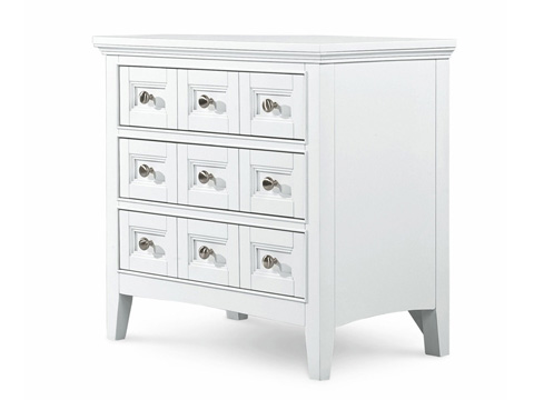 Magnussen Home - Kentwood White Three Drawer Nightstand - B1475-01