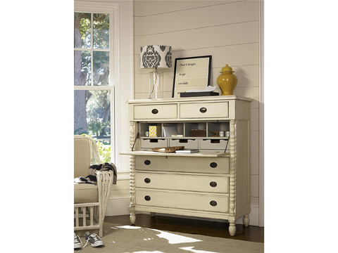 Universal Furniture - River House Corrie's Dressing Chest - 394175