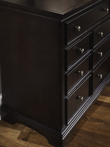 Vaughan Bassett - Merlot Seven Drawer Dresser - BB76-002