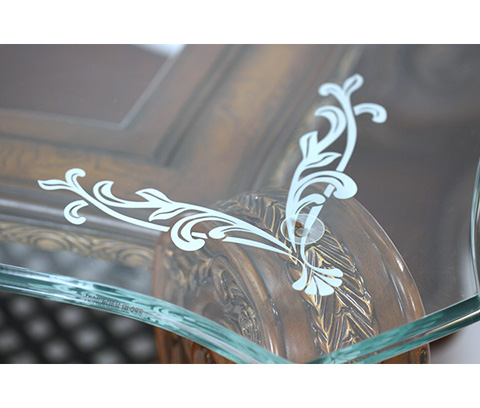 Michael Amini - Rectangular Cocktail Table - 67201-52