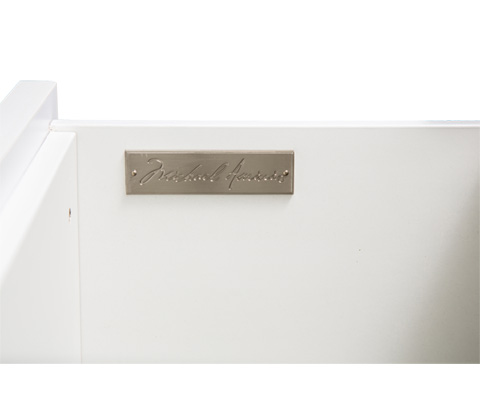 Michael Amini - Sky Tower Seven Drawer Chest in Cloud White - 9025670-108