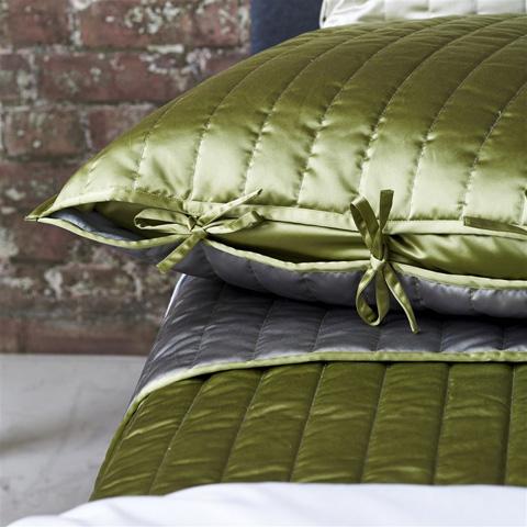 Designers Guild - Tiber Pistachio and Dove Medium Quilt - QUDG0024
