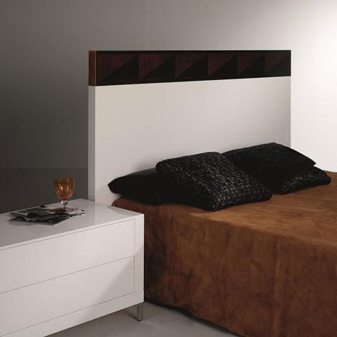 Hurtado - Bed - 3KB928