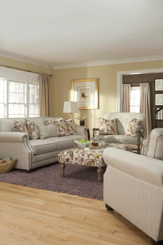 King Hickory - Julianna Fabric Sofa - 3000