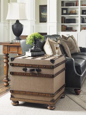 Lexington Home Brands - Woodbury Trunk - 945-969