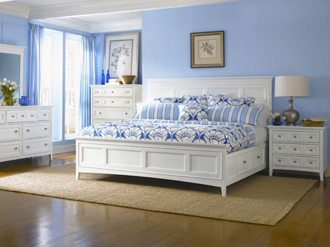 Image of Kentwood White Three Drawer Nightstand