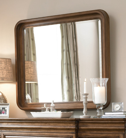 Universal Furniture - Drawer Dresser with Landscape Mirror - 07104M/071040