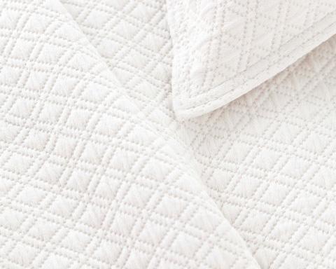 Pine Cone Hill, Inc. - Diamond White Matelasse Coverlet - King - M15WK
