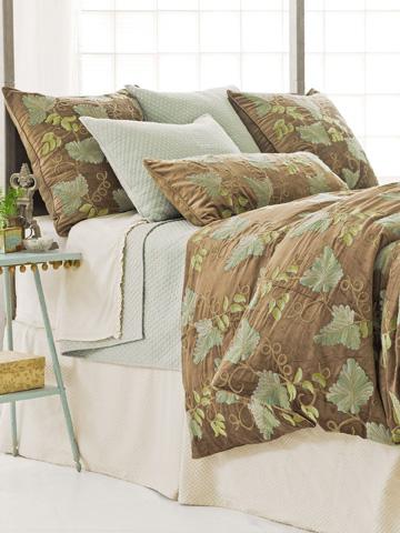Pine Cone Hill, Inc. - Petite Trellis Ivory Matelassé Bed Skirt in Queen - M8PTIBSQ