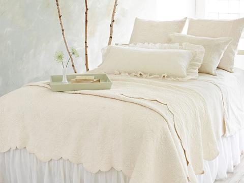Pine Cone Hill, Inc. - Petite Trellis Ivory Matelassé Coverlet in Queen - M8PTIQ