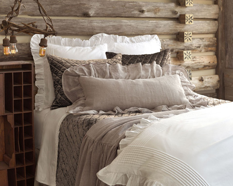 Pine Cone Hill, Inc. - Louisa White Duvet Cover in Full/Queen - SELSDCQ