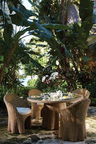 Lane Venture - Crespi Wave - Celerie Barrel Dining Chair - 513-79