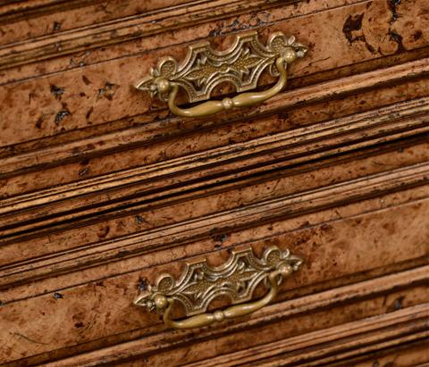 Jonathan Charles - George II Style Burl Oak Chest of Four Drawers - 494630