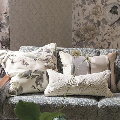 Designers Guild - Shanghai Garden Ecru Cushion - CCDG0355
