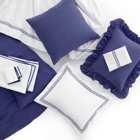 Image of Stone Washed Linen Indigo Queen Duvet Cover