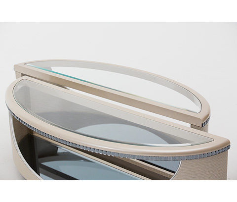 Michael Amini - Oval Cocktail Table - 08201-13