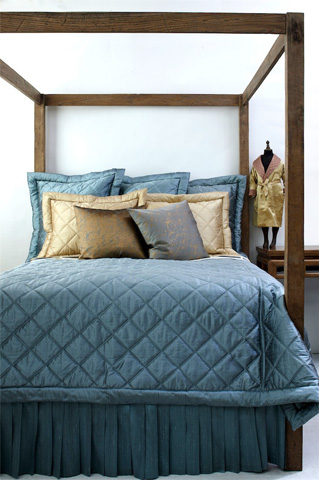 Image of Dupione Big Diamond Quilt Coverlet