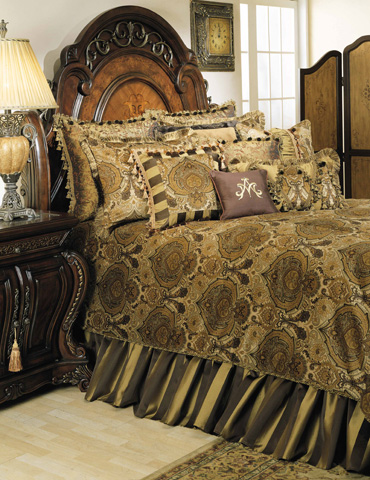 Michael Amini - Pontevedra Thirteen Piece King Comforter Set - BCS-KS13-PNTVDA-OLV