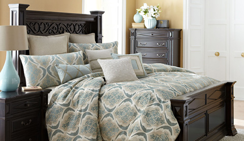 Michael Amini - Avignon Ten Piece King Comforter Set - BCS-KS10-AVGNN-SPA