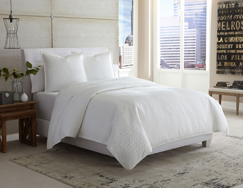 Michael Amini - Ashworth Three Piece Queen Duvet Set - BCS-QD03-ASHRTH-WHT