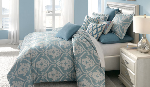 Michael Amini - Tucson King Comforter Set in Turquoise - BCS-KS10-TUCSON-TUR