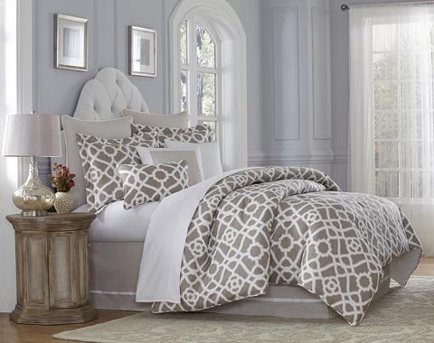 Michael Amini - Harper King Comforter Set - BCS-KS10-HARPR-NAT