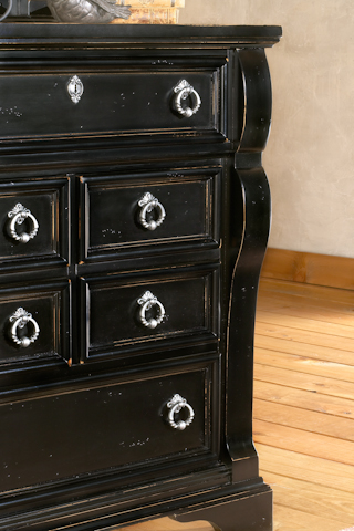 Image of Heirloom 5 Drawer Chest
