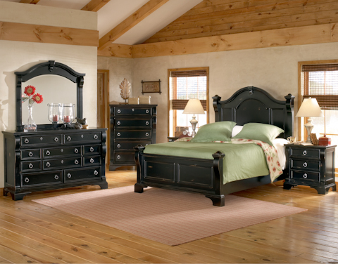 Image of Heirloom Black Poster Bed