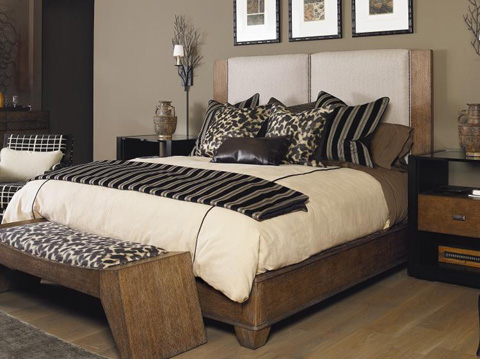 Image of Mendoza Queen Upholstered Bed