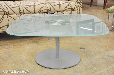 Davis Office Furniture - Square Pedestal Glass Top Accent Table - LI-5635-P-GL-SI
