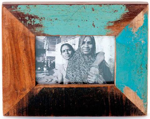 Dovetail Furniture - Big Frame with Photo - NE208
