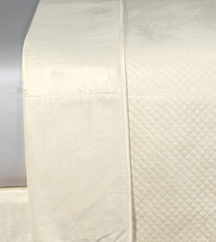Image of Reuss Ivory Coverlet -King